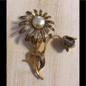 Adorable Damascene Flower Pin Brooch Spain